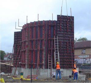 Bild 7: Baustellenbeispiel Rundschalung mit PASCHAL-Schalelementen