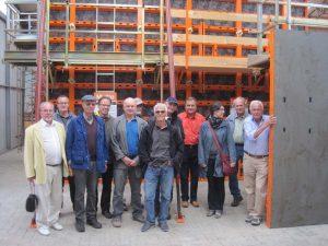 Bild 2: Die Besuchergruppe im Ausstellungszentrum