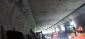 Bild 10: Blick in den Sanierungstunnel mit Zwischendecke