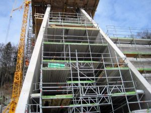 Bild 9: Tunnelportalzentrale Südportal im Bau