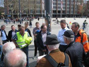 Bild 1: Der Bezirksvorsitzende, Ltd. BD Gerald Schmidt begrüßt die Teilnehmer
