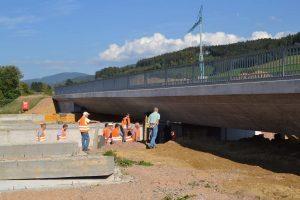 Bild 3: Brücke i.Z.d. Bahnstrecke ü.d. B 294 neu – seitliche Ansicht